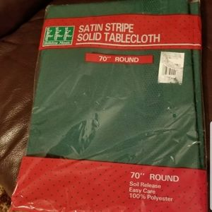 Green 70 In Round Satin Stripe Solid Tablecloth